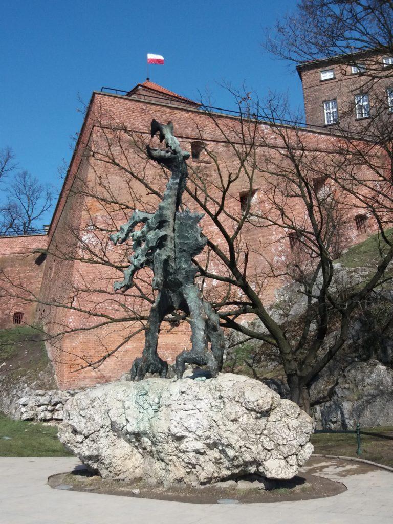 Smok-Wawelski-1-e1525027868234-768x1024 Blog