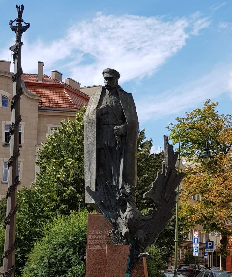 pomnik-marszałka-piłsudskiego Blog
